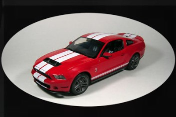 FORD SHELBY GT 500 TORCH RED/WH STRIPES 1/18
